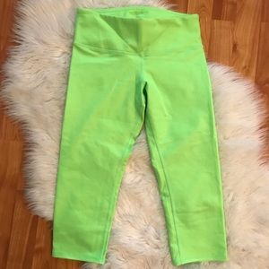 Alo Yoga neon cropped leggings